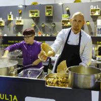 14DMMUa_kuhinja_spremanje gljiva