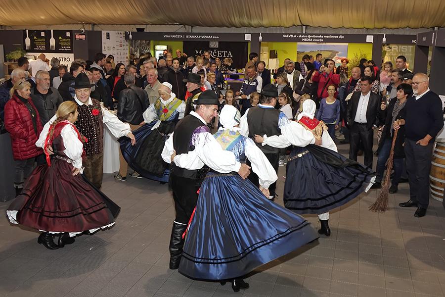14DMMUa_slovenski stimung